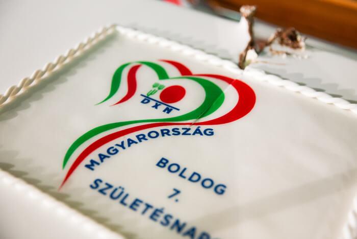 DXN születésnapi torta